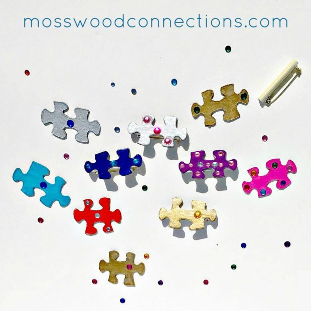 Puzzle-Pins-Art-Project-A-DIY-Gift-Made-With-Recycled-Items-e1492993214588