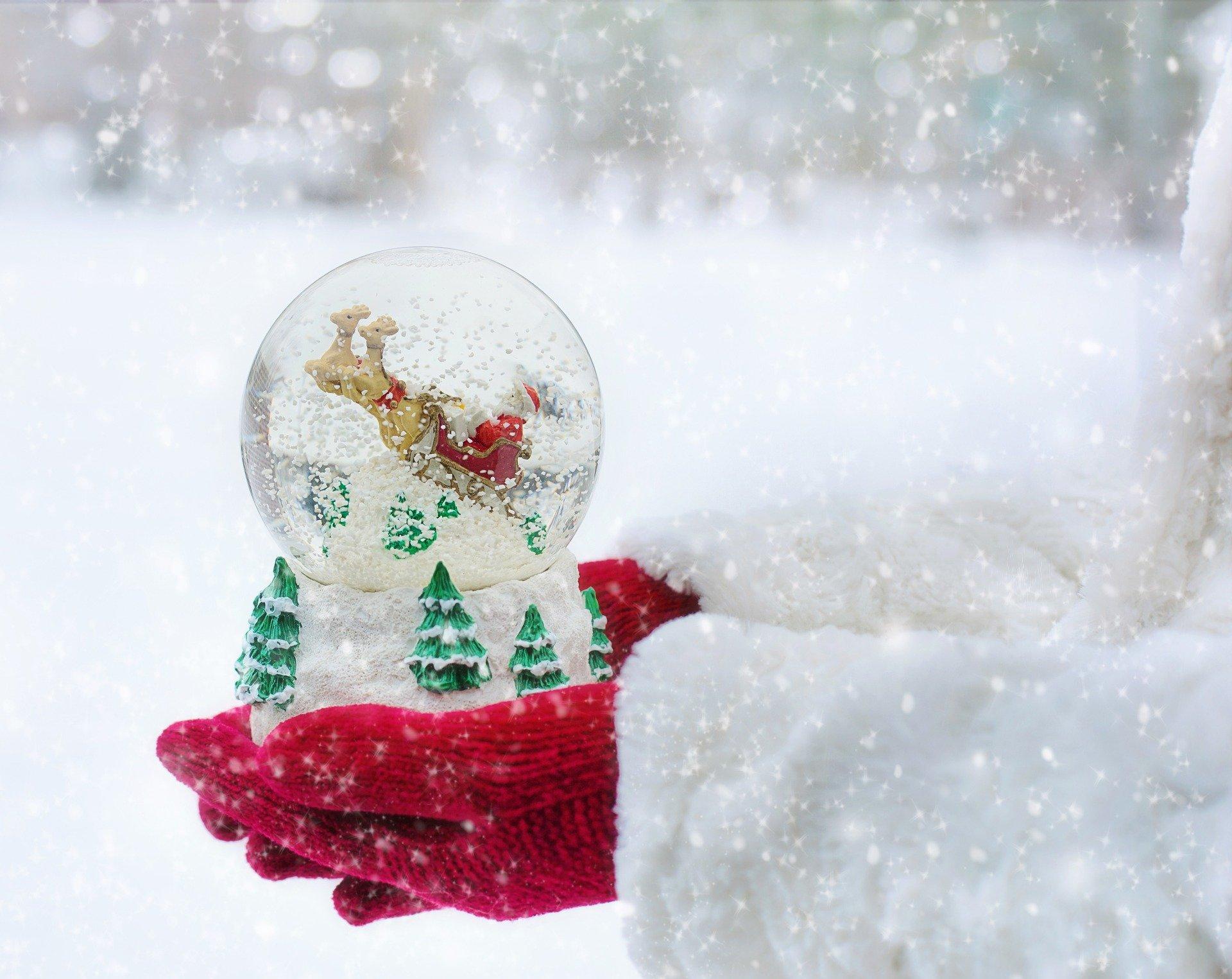Elf on the Shelf snow globes - Boston Moms