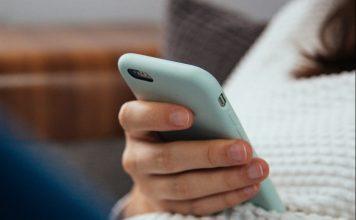healthier phone habits - Boston Moms